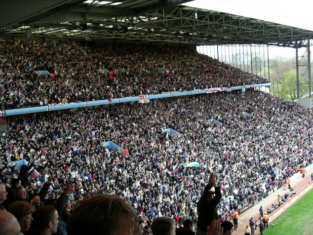 holte end celebrating