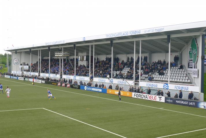 west stand4
