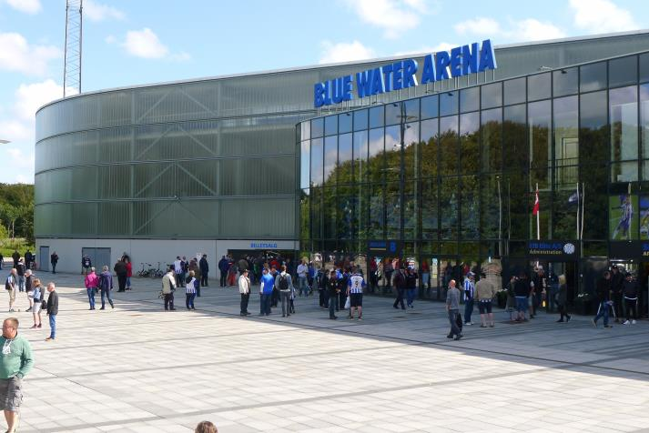 blue water arena2