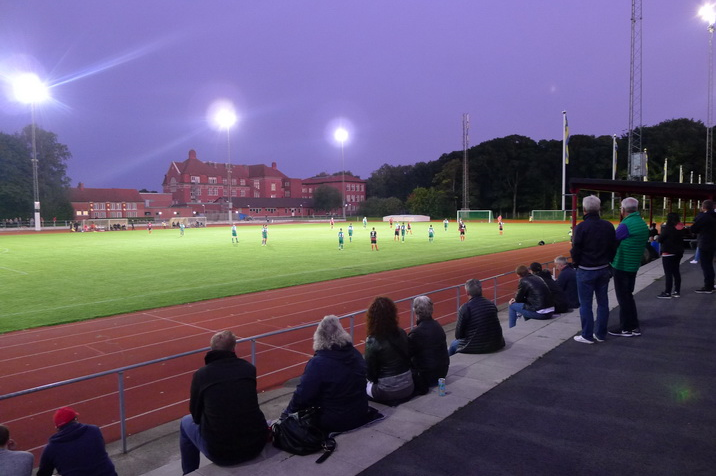 Ekevalla-IP-under-floodlights.JPG