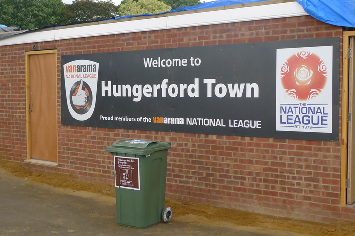 Welcome-to-Hungerford-Town.JPG