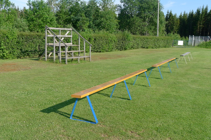 East-side-benches.JPG