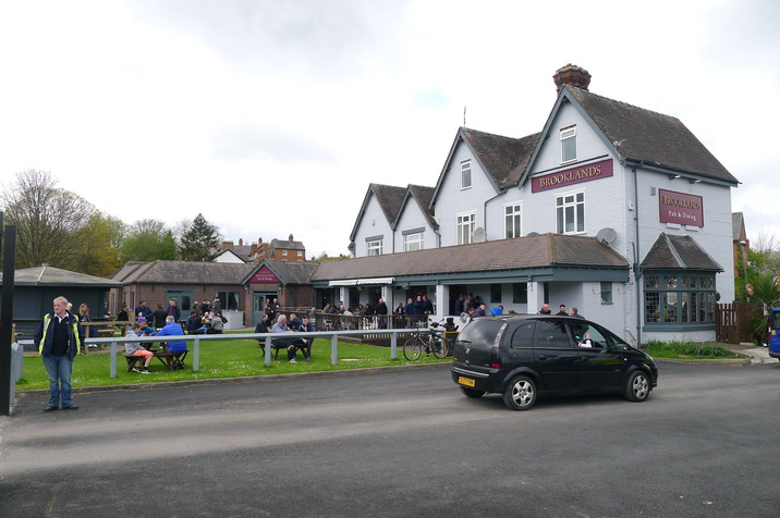 Brooklands-pub.JPG