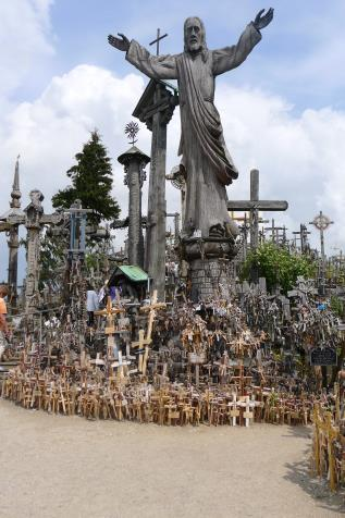 hill of crosses3