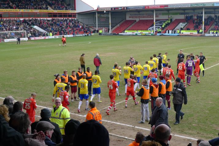 teams entering the pitch