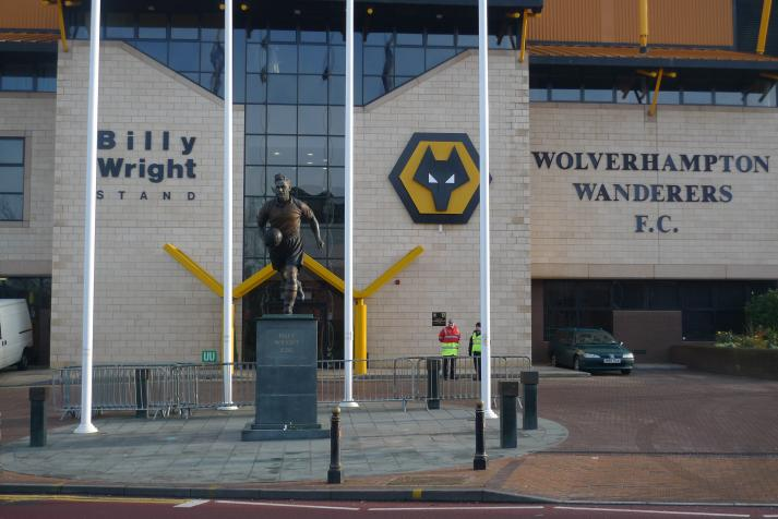 billy wright, statue